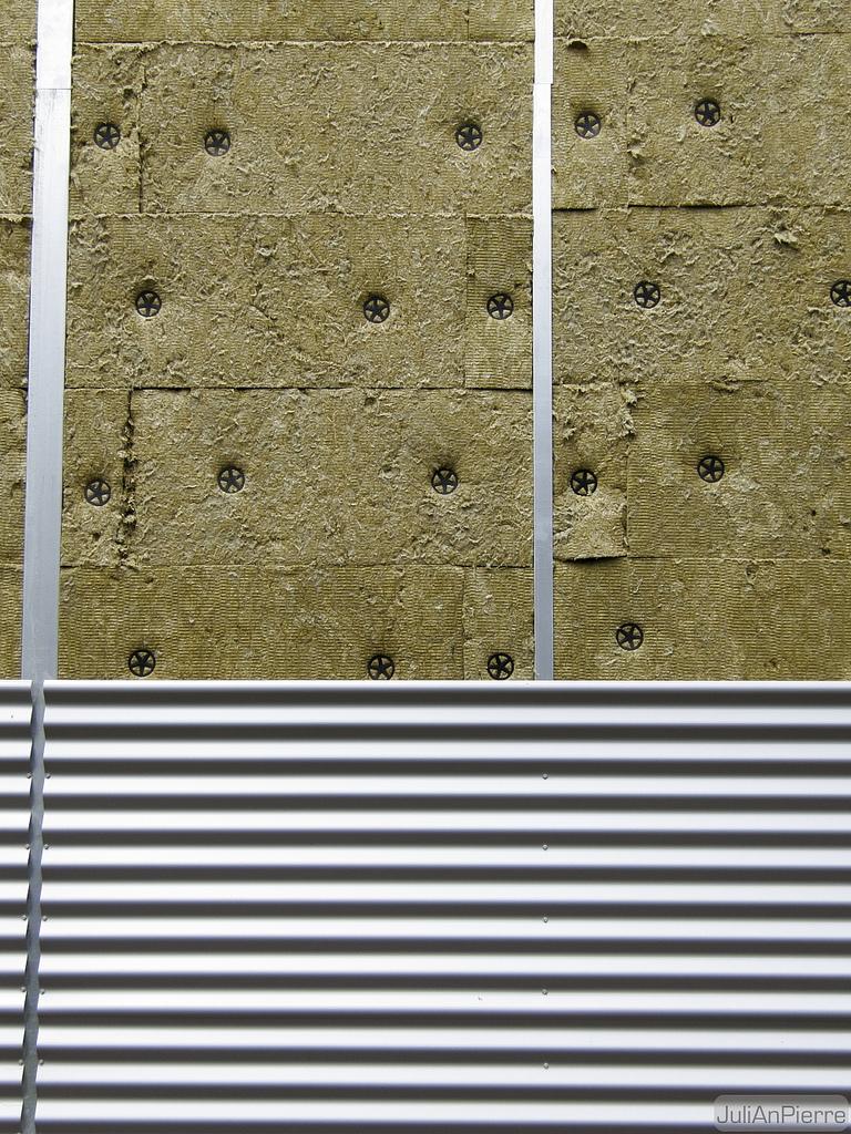 Isolation par bardage et laine de verre