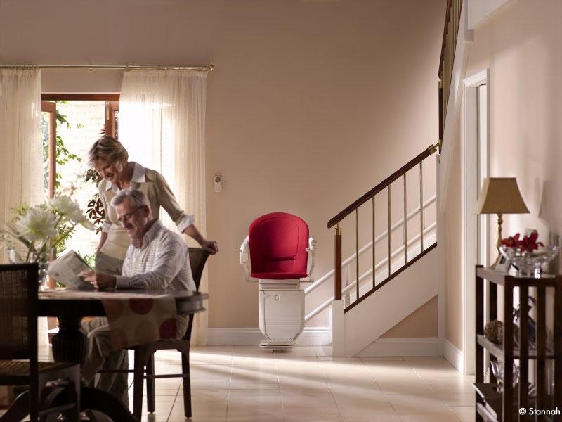 Monte escalier lectrique lequel choisir mag maison for Tapisserie montee escalier