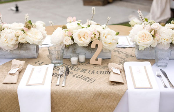 toile-de-jute-chemin-de-table